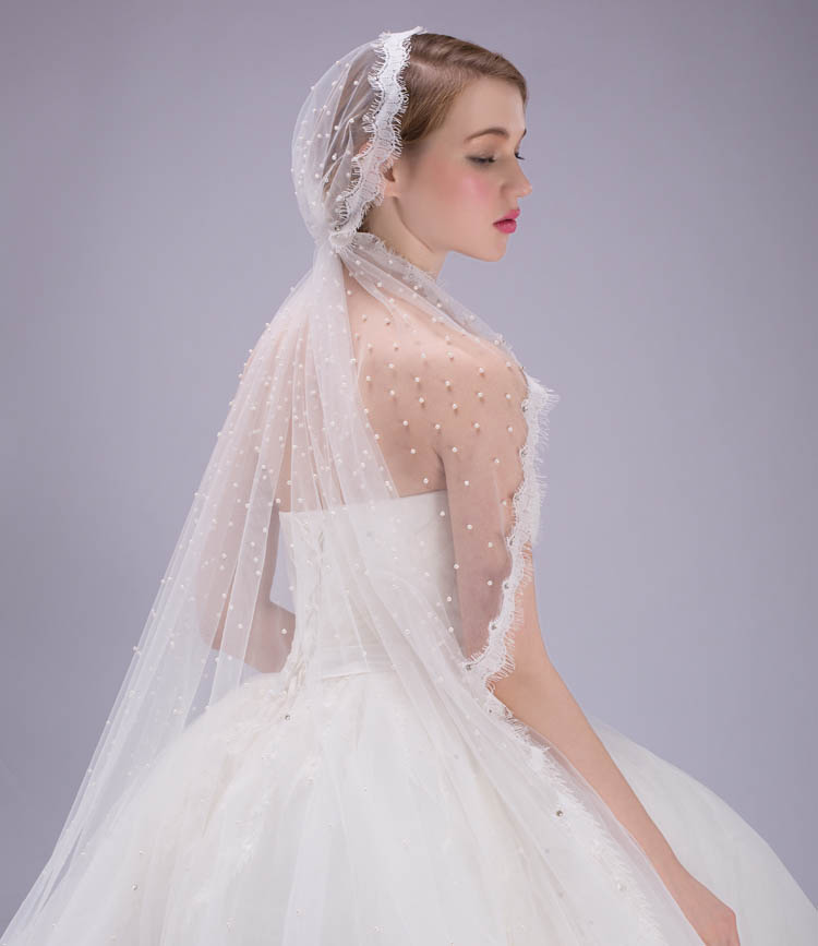 Beaded Pearl Decorated Single Tier Tulle Wedding Veil Scalloped Edge ...