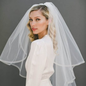 simple fingertip length bridal tulle pouf veil pencil edge