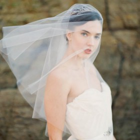 classic ivory elbow length one tier short wedding veil bridal headpiece
