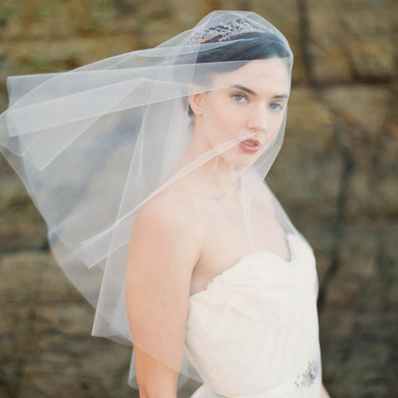 Classic Ivory Elbow Length One-tier Short Wedding Veil