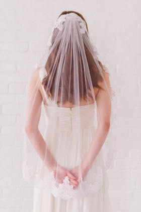 corded lace veil single tier veil fingertip length wedding veil
