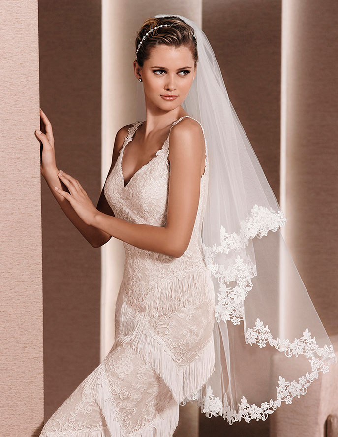 Clic Embroidered Lace Veil Fingertip Length
